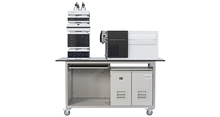 mobile laboratory bench for Agilent 6470